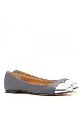 woman dress shoes